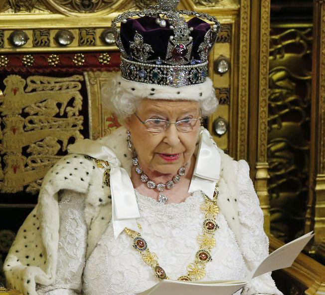 queen-elizabeth-reading_2015_5.0.0